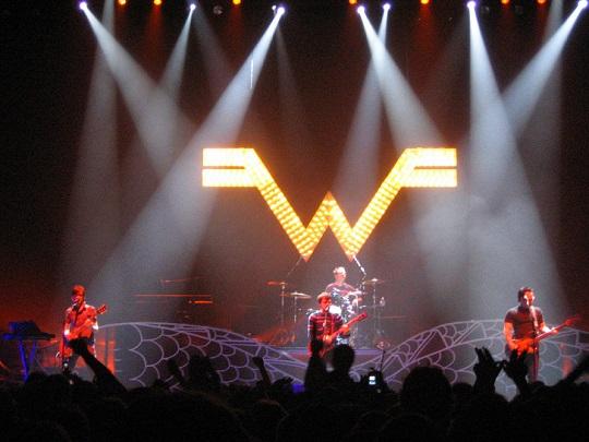 Weezer live